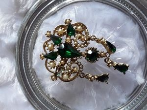 Vintage green, seed pearls and gold tone broach